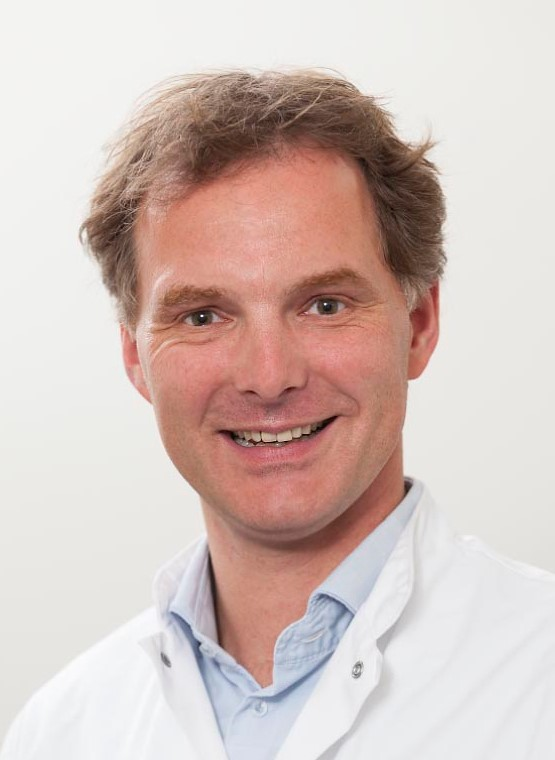 Orthopaedic Surgeon Dr Joris Van Der Lugt at Bodyworks Clinic in Marbella
